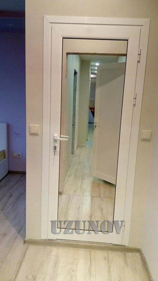 алуминиева врата с огледало и первази